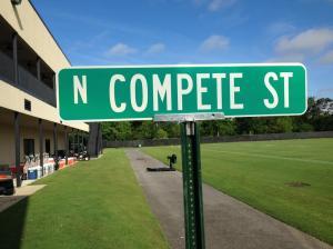 Saints-compete-street